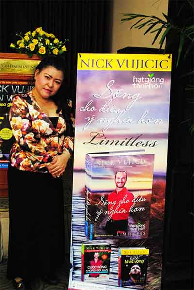 Nick Vujicic, third book Limitless, translator Bich Lan