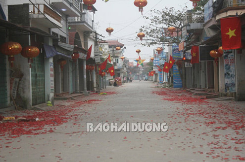 Vietnam may permit firecrackers without explosion in 2014 New Year