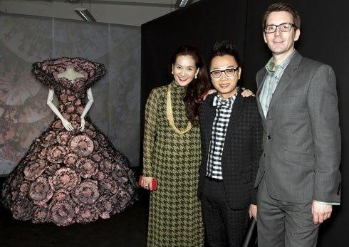 Designer Cong Tri (middle).