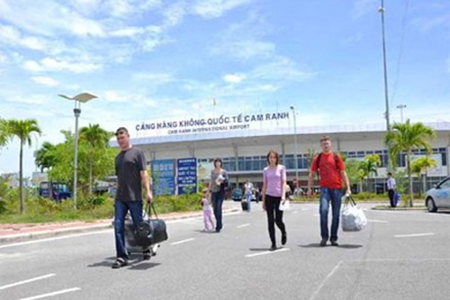 Vietnam, Cam Ranh Airport, travelers, air routes, passengers, tourism development