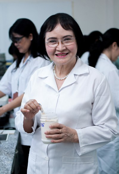 Prof. Dr. Nguyen Thi Hoe, Chairwoman of the Kova Paint Group.