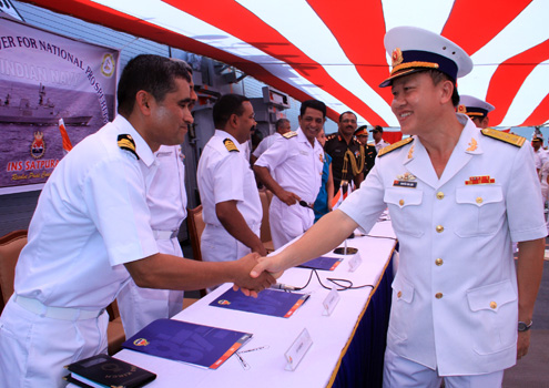The visit aims to promote cooperation relations between the two navies.