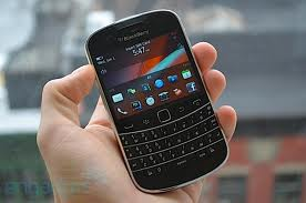 Vietnam, Black Berry, high technology products, smart phones, Internet users
