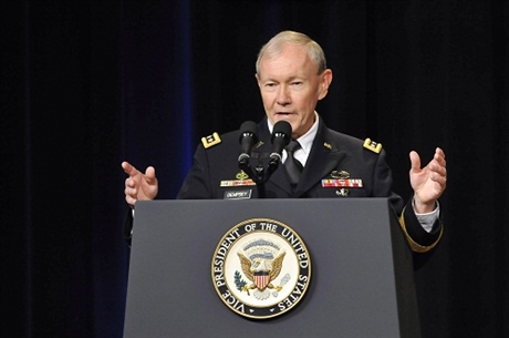 Chairman of the US Joint Chiefs of Staff Martin Dempsey welcomed Vietnam Deputy Defence Minister Do Ba Ty at the Pentagon on June 20.