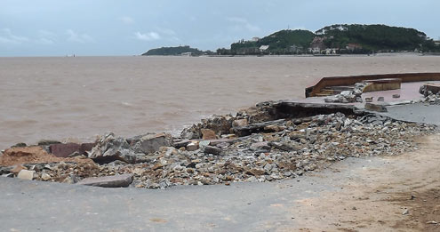 Another beach in Do Son was also damaged by the storm. Some roads were cut almost in half.
