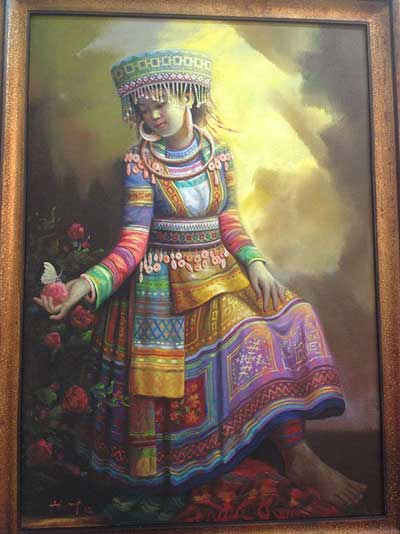 Artworks, ethnic costumes, calligraphy works