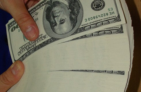 The enigmatic silence on the foreign currency market