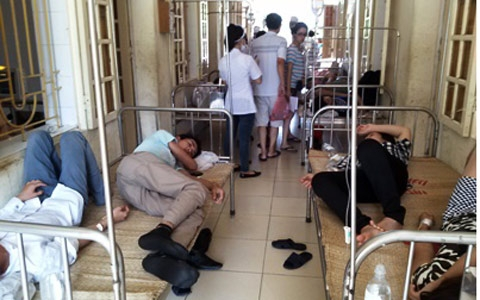 Over 40 tourists get food poisoning in Thanh Hoa