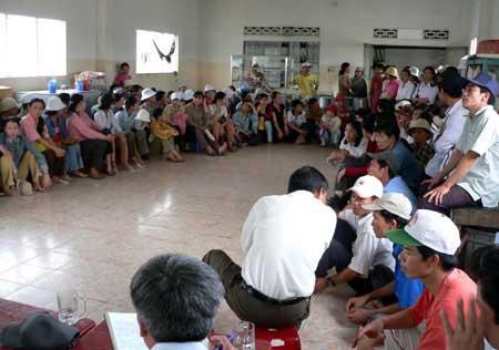 Enterprise owners, regular dialogue, FDI enterprises, Ha Noi Taxi Association