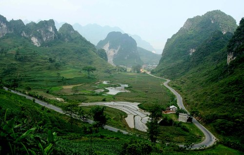 pass, vietnam, travel, tourists, dangerous