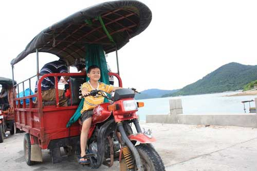 Khách du lịch, vận chuyển, đảo Quan Lạn, Thành phố Huế, đảo Cô Tô