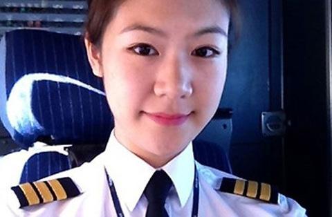 female pilots, vietnam, vietnam airlines