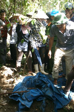 Five tons of pesticide found buried in Thanh Hoa