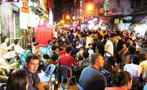 Stories at Saigon's Pho Tay