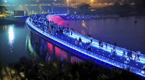 In pictures: Saigon and bridges