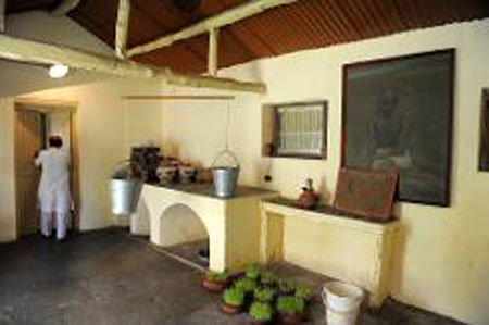 Tourists invited to live like Gandhi in his ashram
