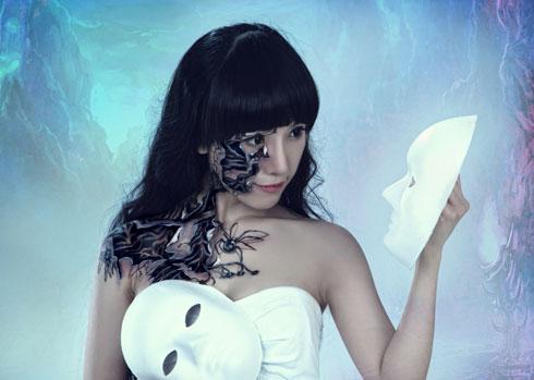 Ngo Luc presents new body painting artworks - News VietNamNet