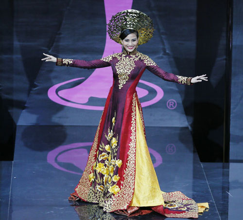 Truong Thi May's Ao Dai in top 10 national costumes on Missosology