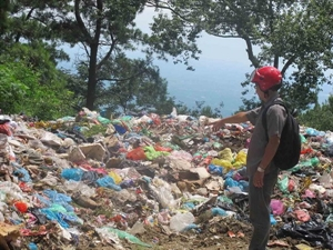 The northern province of Tuyen Quang plans to build 20 solid waste treatment systems by 2020 to help ensure the local public health, environmental sanitation and sustainable development.