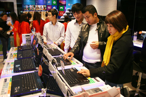 Low-cost touch-screen laptops to flow to Vietnam soon