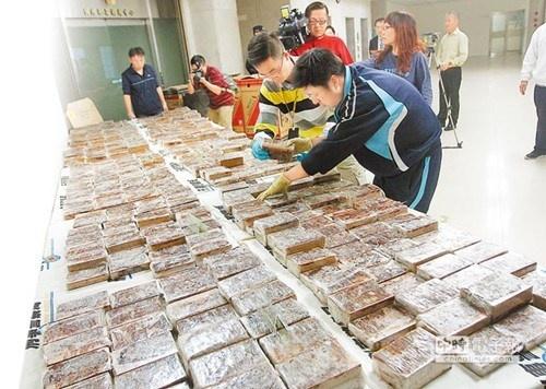 heroin, taiwan, tan son nhat airport, china airlines