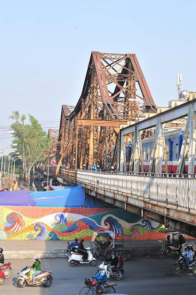 long bien bridge, hanoi