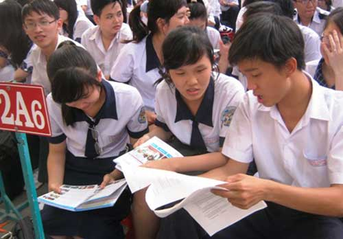 Vietnamese students, HCM City, choosing careers