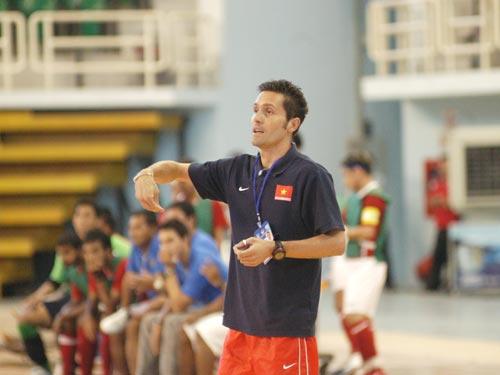 futsal team, foreign coach, Italian coach, spanish coach