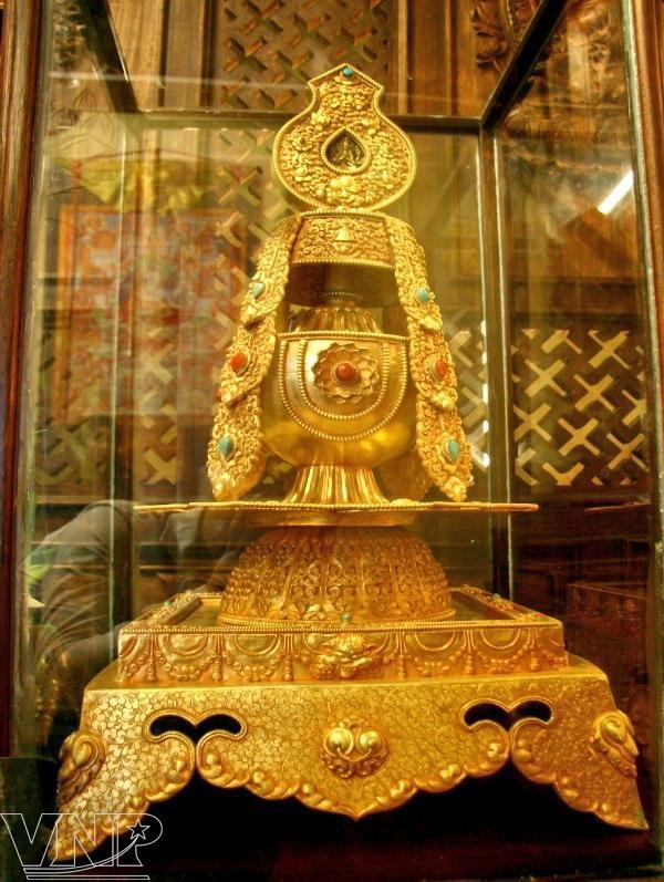van nien pagoda, ancient temple, van nien, west lake, hanoi