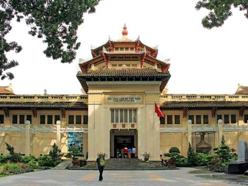 famous architecture, thong nhat palace, thu thiem tunnel, ben thanh market, saigon