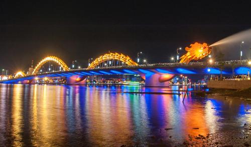 Da Nang's Dragon Bridge in world top lighting works