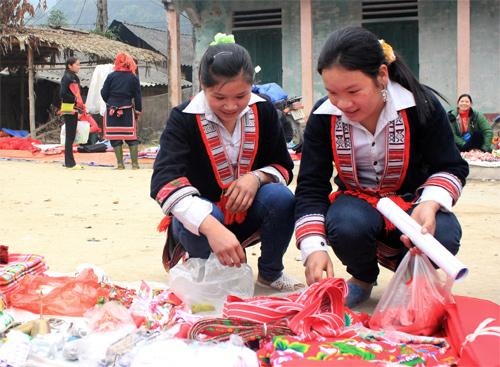 year-end fair, market, ha giang
