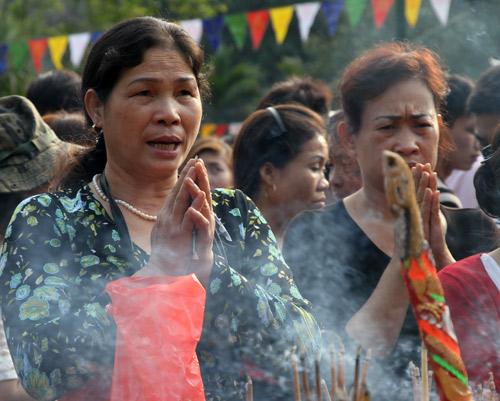Perfume Pagoda festival, pilgrims, visitors