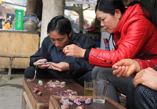 luc yen gem market, ruby, quatz, gemstone