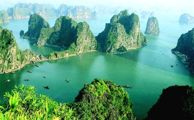 Ha Long Bay in Top 10 Valentine's Day Retreats