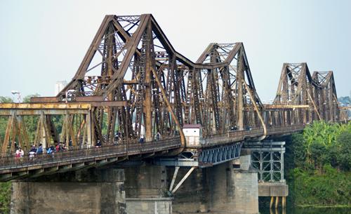 Preservation of Hanoi's old bridge in controversy