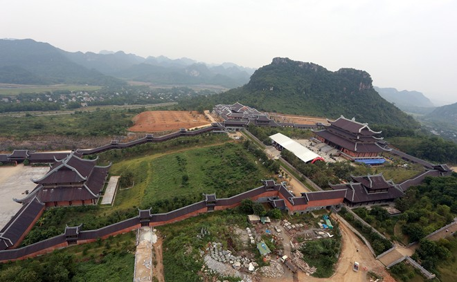bai dinh temple, records