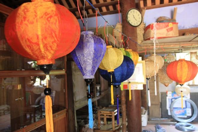 lantern making, hoi an lanterns