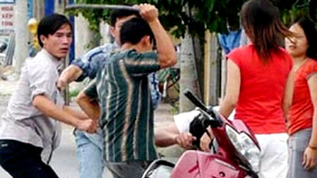 Vietnamese companies, hire gangsters, collect debts