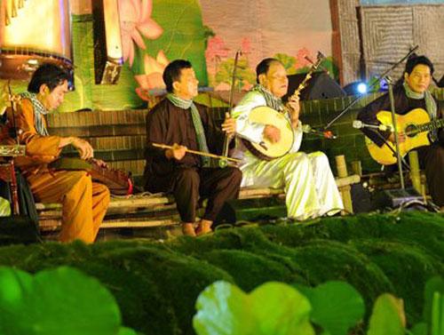 Bac Lieu, host, southern opera festival, Don ca tai tu artists