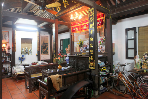 200-year-old house on Hanoi's lakeside