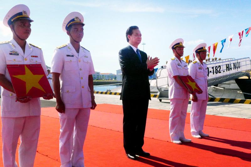 flag-raising ceremony, submarines, kilo, Cam Ranh