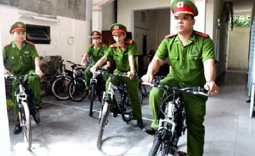 Da Nang, a polícia, veículos ecológicos, Hoi An, bicicletas