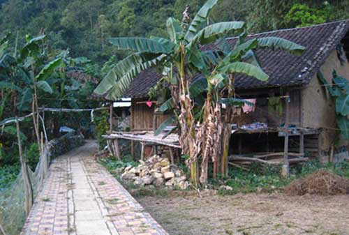 Traditional craft village, Ha Noi, foreign travelers, Ban Gioc waterfall, Nguom Ngao Cave