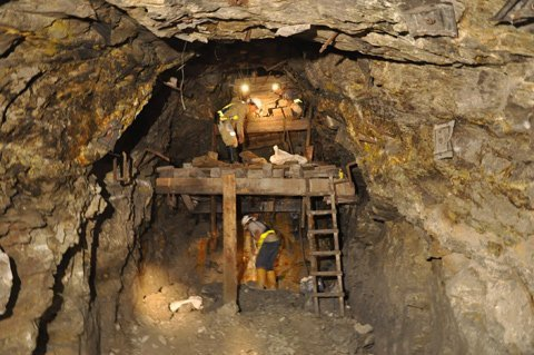 Two largest gold mines forced to pay taxes