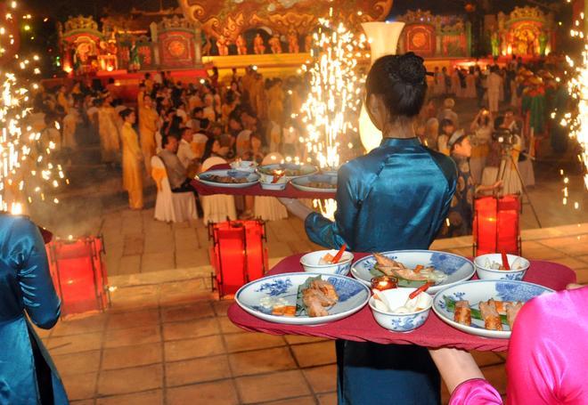 royal meal, hue festival 2014