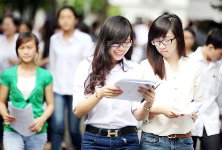 Vietnam's creaking education system pushes students overseas