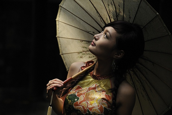 traditional brassieres, ao dai, vietnamese girls, Malcolm Fackender