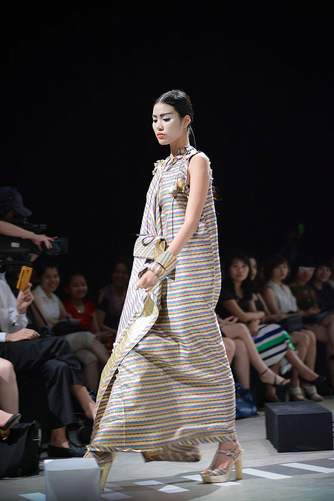 Impressive haute couture collections by vietnamese for Haute couture designers names