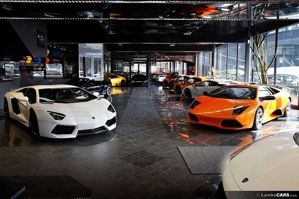 first lamborghini showroom to be opened next month news vietnamnet. Black Bedroom Furniture Sets. Home Design Ideas
